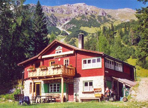 Hütte am Arlberg